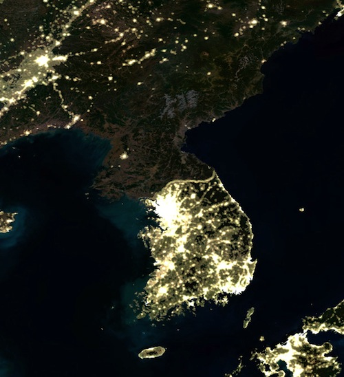 C0044096-Korea_at_night,_satellite_image-SPL