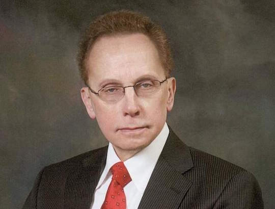 Warren, MI mayor Jim Fouts swallows a crab that was holding a Vicodin