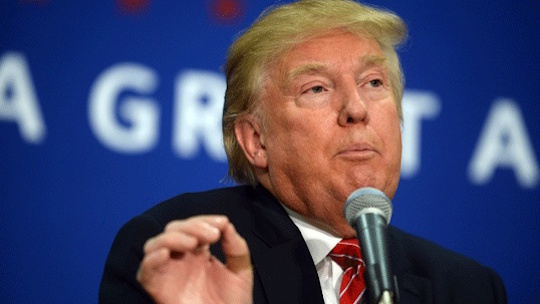 Donald-Trump-at-mic